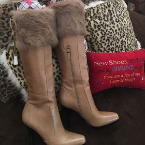 Beautiful fur-topped leather boots by Via Spiga