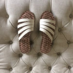 New Lucky Brand leather sandals flip flops