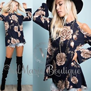 Gorgeous Navy Floral Knit top