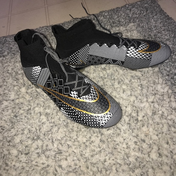 size 40 76537 7b57c 2015 MERCURIAL SUPERFLY FG BLACK HISTORY MONTH. M_59dd307bf0137d4d290217c4