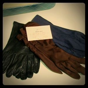 Accessories - 3 pair small vintage gloves with box