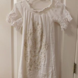 Dresses & Skirts - White dress with flower embroidery