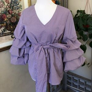 Tops - Ruffled sleeve top perfect condition.
