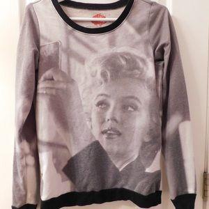 Tops - Marilyn Monroe Sweatshirt
