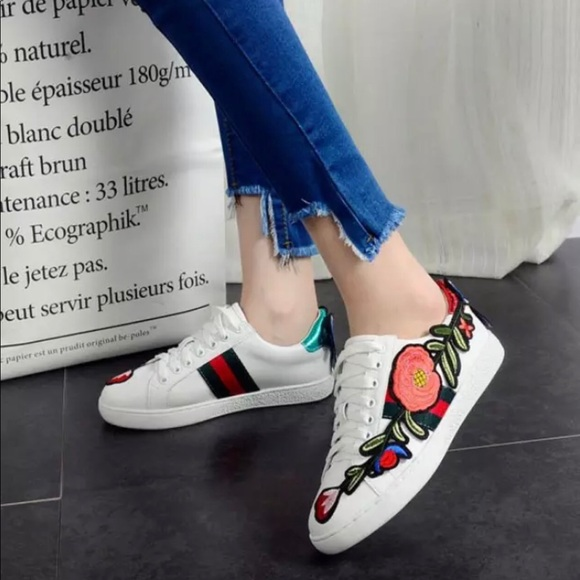Shoes - 💫Embroidered Sneakers 💫