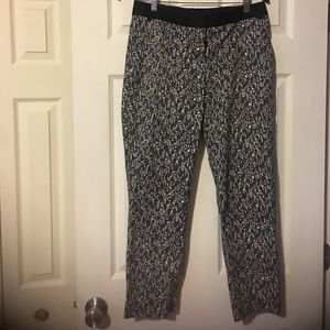 Express. Size 4R. ankle pants.