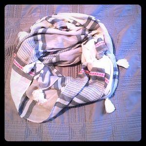 S&D infinity tassel scarf