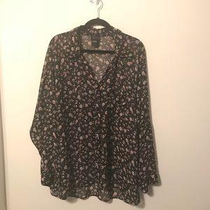 Plus Size Torrid 2 floral button up blouse