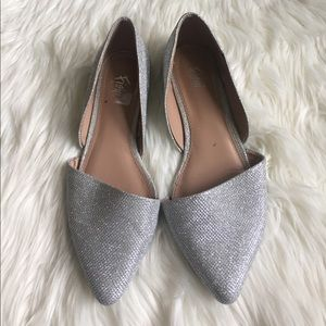 super pretty silver flats size 8.5/9
