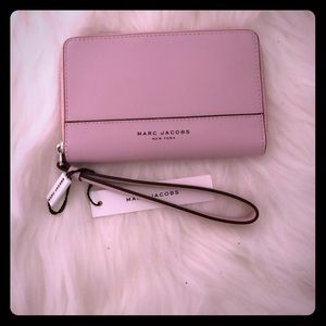 NWTS Pink Marc Jacobs wristlet