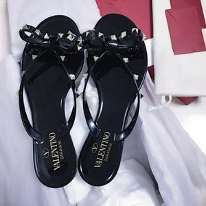 Shoes - Black jelly sandals