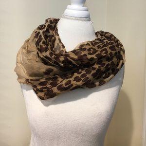 New leopard print infinity scarf w/ beige accent