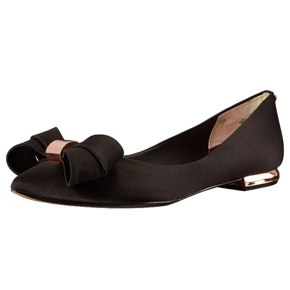 d54e9b975c692 Ted Baker London Shoes - GUC Ted Baker London Bow Flats