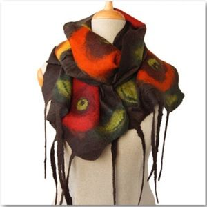 Inmano Handcrafted Silk & Merino Wool Shawl Scarf