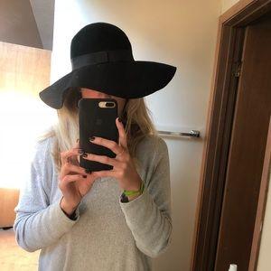 BP floppy hat