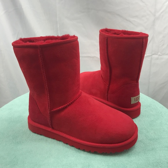 all red uggs