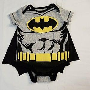 Batman onesie with detachable cape sz 0/3m