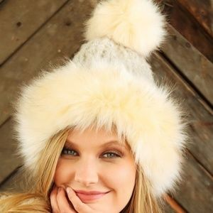 Accessories - FAUX FUR ACCENTED CHUNKY RIBBED POMPOM BEANIE