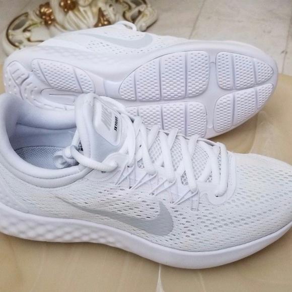 69c538353 Women's Nike Lunar Skyelux Running Shoes. M_59dd576df092824bc00046d3