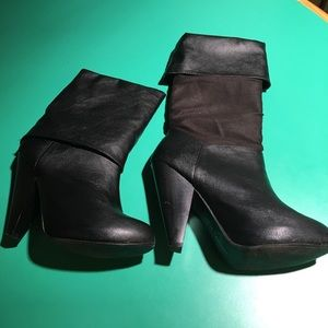 Chinese Laundry Black Heeled Fold Down Boots. Sz8