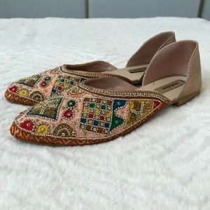 Shoes - Embellished flats