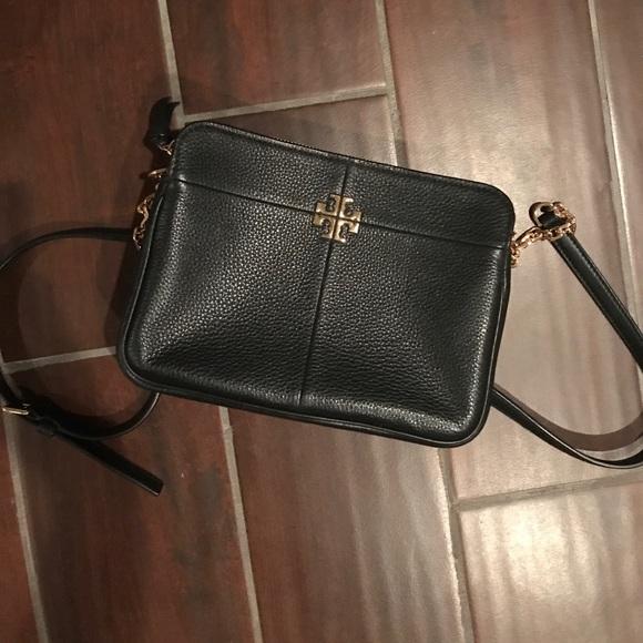 63fd6e8ac03 Tory Burch Ivy Micro Leather Crossbody Bag. M 59dd6f2a2de512103700af13