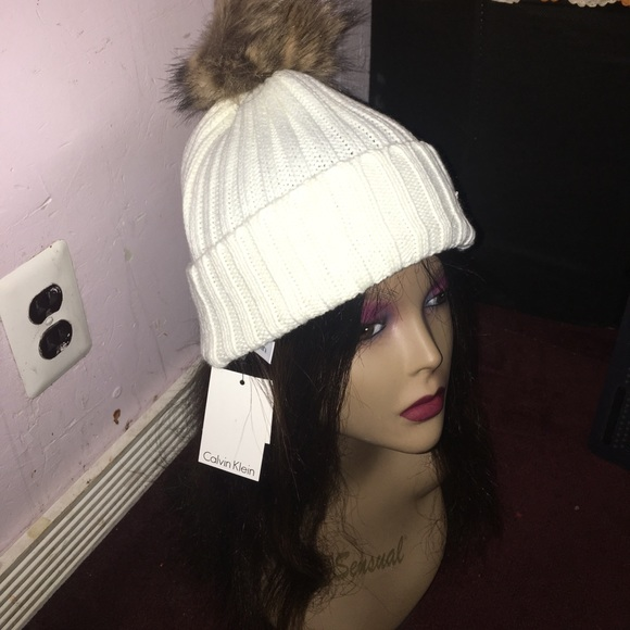 Snow white Calvin Klein hat Ladies winter hat 231701d25e6