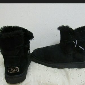 UGGS athentic. Black and glitzy