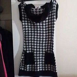 Sweaters - Cowl necked black and white houndstooth sweater