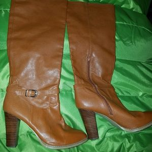 LIKE NEW BOOTS BY H&M SIZE 10