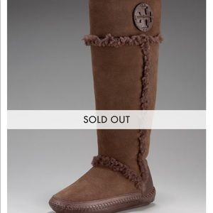 Tory Burch Shearling Moccasin Boots Size 7