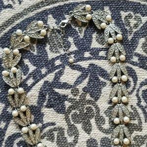 Jewelry - Vintage Pearl & Rhinestone Silvertone Necklace