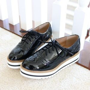 oli-black-patent-oxfords