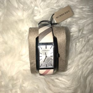NEW Burberry watch