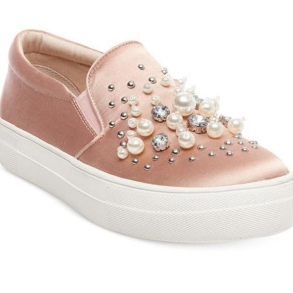 a9170e7746e Steve Madden Blush Glamour Slide in Sneakers