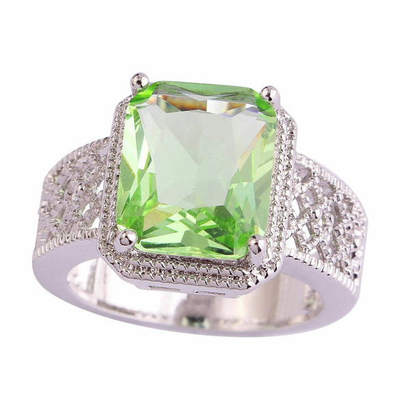 Jewelry - Square Cut Green Amethyst Sterling Plated Ring Sz9