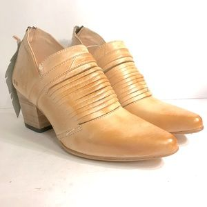 NWT bed stu blonde leather ankle booties