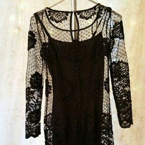 Nwt black lace dress size 4 Muse brand