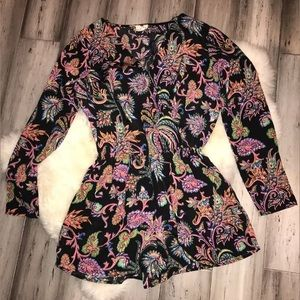 One Clothing Paisley Long Sleeve Romper Small