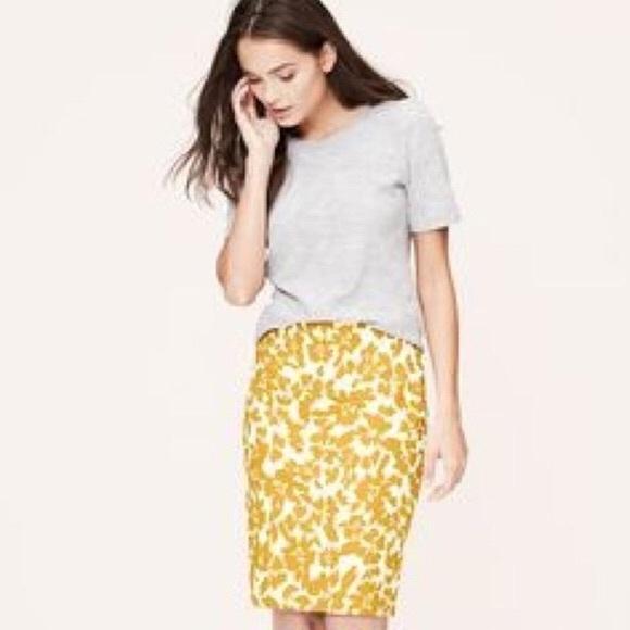 2431ac93df LOFT Dresses & Skirts - Anne Taylor Loft Yellow floral pencil skirt size 2