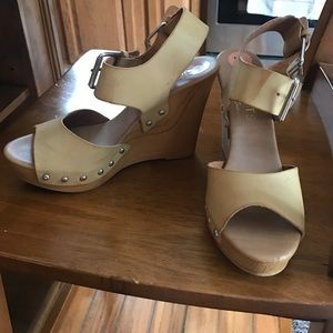 Tan wedges hardly worn!