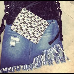 Lush frayed denim skirt