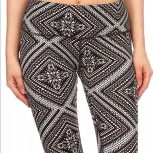‼️closeout‼️ Aztec print pink black white leggings