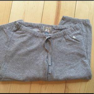 🛍great condition! Aerie Capri light gray sweats