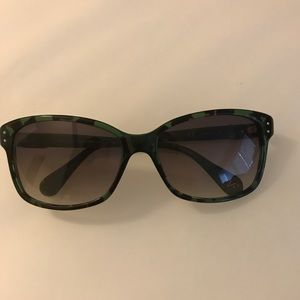 DVF Layla Sunglasses (Green Tortoise)
