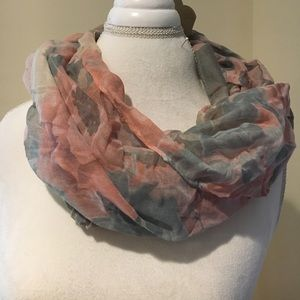 NWT Beautiful Floral Infinity Scarf Gray & Pink