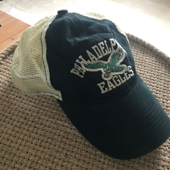 Women s Retro Philadelphia Eagles Hat. M 59de390f2de5129499022c26 2ca19905a
