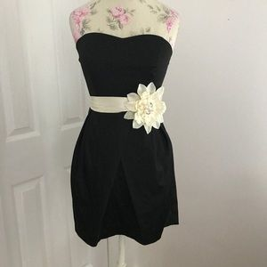 🌙Black cocktail dress with large Floral detail🌙