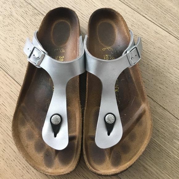 44e5229a9c13b1 Birkenstock Shoes - Birkenstock Gizeh Birko-Flor in Metallic Silver!