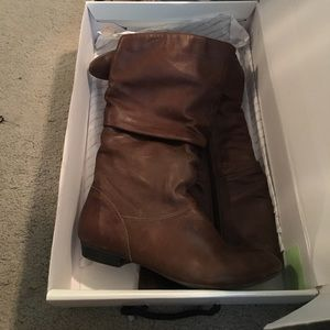 Brown leather Aldo boots.